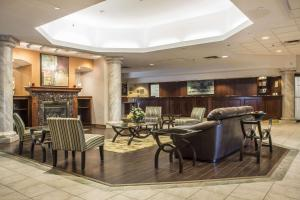 A restaurant or other place to eat at Clarion Hotel & Conference Centre