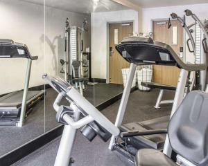 The fitness centre and/or fitness facilities at Quality Inn Louisville - Boulder