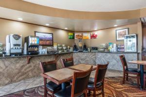 A restaurant or other place to eat at Quality Inn South Colorado Springs