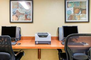 The business area and/or conference room at Comfort Inn & Suites Near Universal Orlando Resort-Convention Ctr