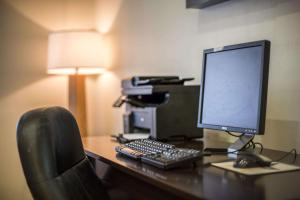 The business area and/or conference room at Sleep Inn Atlanta Airport