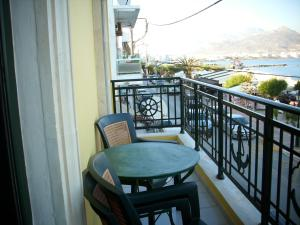 A balcony or terrace at By Captains Studio