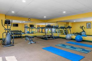 The fitness center and/or fitness facilities at Quality Inn & Suites Bedford West
