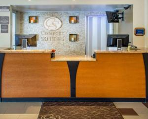 The lobby or reception area at Comfort Suites Waldorf