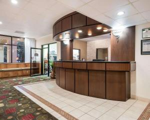 The lobby or reception area at Comfort Inn Gold Coast