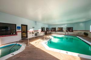 The swimming pool at or near Comfort Inn and Suites North East