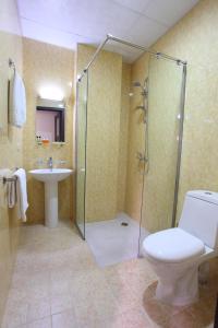 Ванная комната в Cascade Hotel