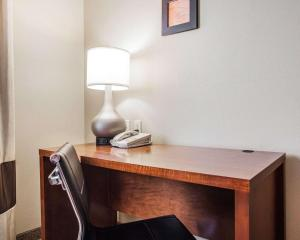 A television and/or entertainment center at Comfort Inn & Suites Moberly