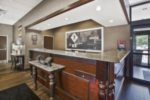 The lobby or reception area at Hampton Inn Pittsburgh University Medical Center