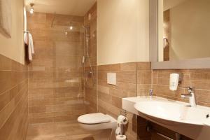 A bathroom at Beach Motel St. Peter-Ording