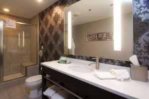 Un baño de The Giacomo, Ascend Hotel Collection