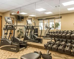 The fitness center and/or fitness facilities at Comfort Inn North/Polaris