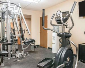 The fitness center and/or fitness facilities at Quality Inn Toledo