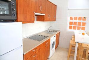 A kitchen or kitchenette at Vivienda Vacacional Camino del Senderista