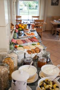 Breakfast options available to guests at DEVA Hotel Beim Egger