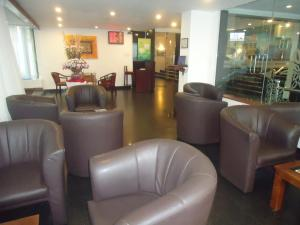 The lounge or bar area at Global Towers Hotel & Apartments