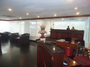 The lobby or reception area at Global Towers Hotel & Apartments