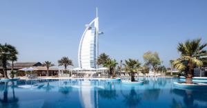 Majoituspaikassa Jumeirah Beach Hotel tai sen lähellä sijaitseva uima-allas