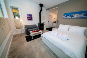 A bed or beds in a room at Northern Lights Resort & Spa