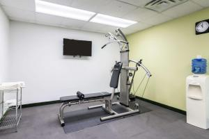 The fitness center and/or fitness facilities at Quality Inn and Suites Alma