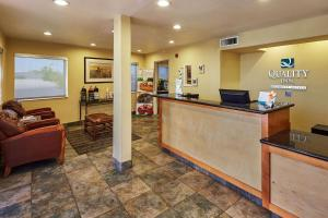 The lobby or reception area at Quality Inn Parker