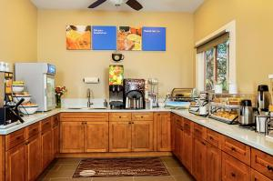 A kitchen or kitchenette at Comfort Inn Monterey Peninsula Airport