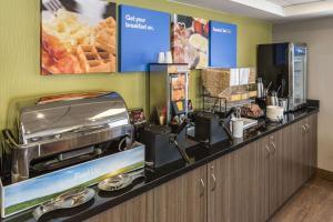Ресторан / где поесть в Comfort Inn New Glasgow