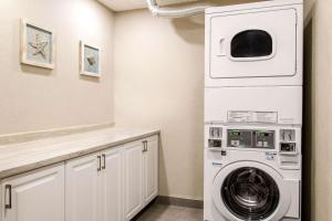 A kitchen or kitchenette at Comfort Inn Montreal Airport