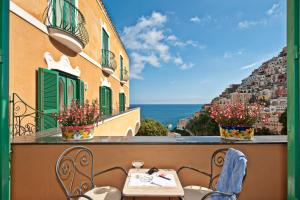 A balcony or terrace at Hotel Savoia