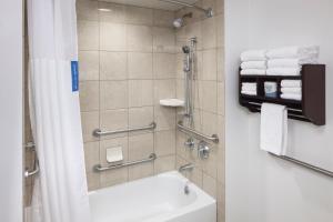 A bathroom at Hampton Inn & Suites Oklahoma City-Bricktown