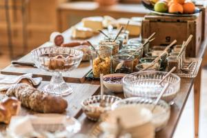 Breakfast options available to guests at Hotel Beau Séjour Lucerne