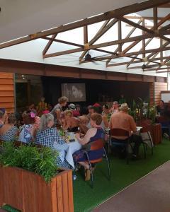 A restaurant or other place to eat at Joes Waterhole Hotel