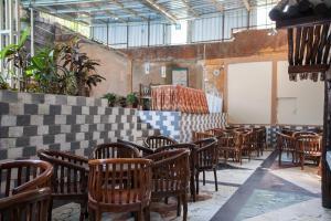 The lounge or bar area at Hotel Palereman Soerabaia