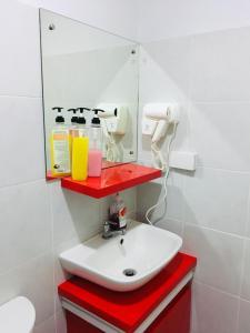 A bathroom at Cityscape Residences Unit 1102