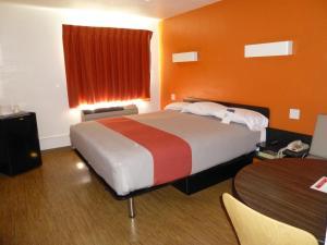 Cama o camas de una habitación en Motel 6 Hollywood