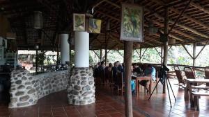 Ресторан / где поесть в Albergue de Montaña Talari