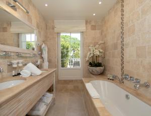 Ванная комната в La Bastide des Salins