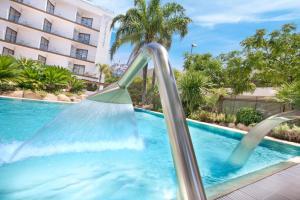 Het zwembad bij of vlak bij Sumus Hotel Stella & Spa 4*Superior