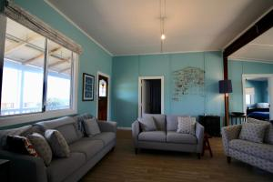 A seating area at Storm Bay View