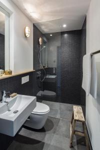 A bathroom at Bold Hotel München Giesing