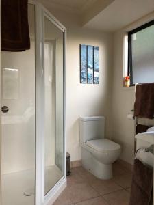 A bathroom at Hahei Retreat