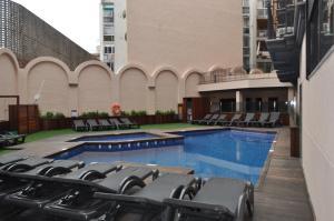 Het zwembad bij of vlak bij Apartaments Trimar