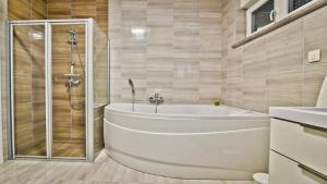 A bathroom at Villa Jela Zadar