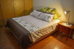 A bed or beds in a room at 1150 on Bain