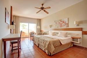 A bed or beds in a room at TUI MAGIC LIFE Fuerteventura