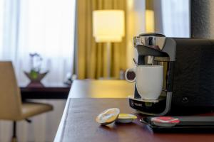 Coffee and tea-making facilities at Mercure Hotel Duisburg City