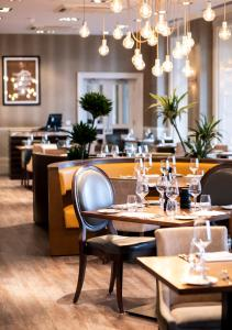 A restaurant or other place to eat at BEST WESTERN PLUS Dover Marina Hotel & Spa