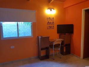 Una televisión o centro de entretenimiento en El Cardiel