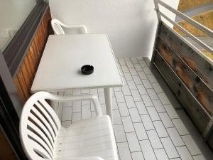 A balcony or terrace at Einzimmerwohnung 401