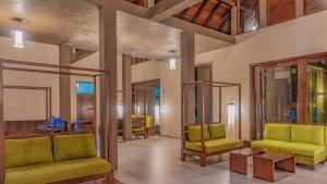 A seating area at Amora Lagoon Hotel